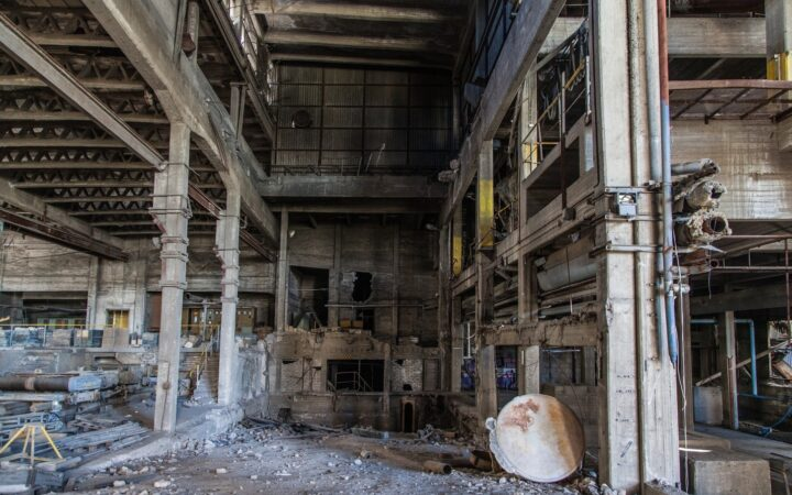 C:\Users\Admin\Downloads\abandoned-factory-1513012_1920.jpg