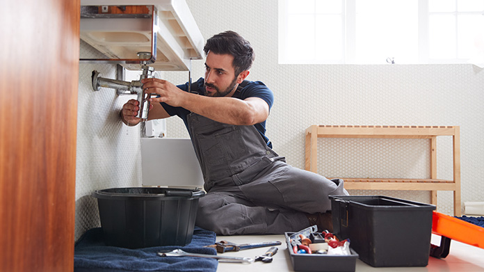 4 Tips on Starting Your Own Plumbing Business