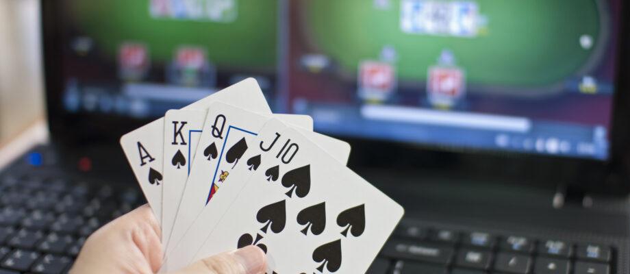 Winning Hands with Online Poker